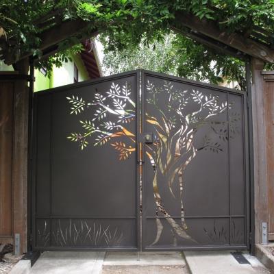 Driveway Tree Gate
